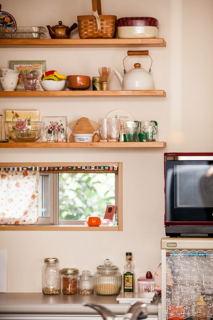 岐阜で建てた注文住宅のキッチンの飾り棚