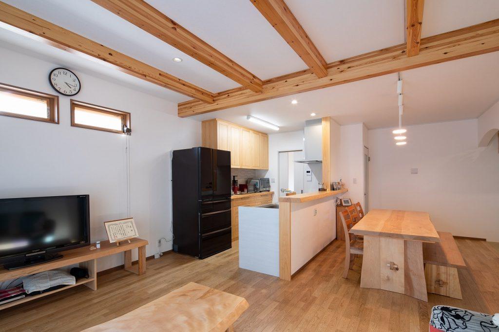 羽島市で建てた注文住宅のダイニングキッチン