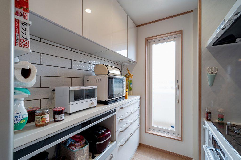 羽島市で建てた新築のキッチンとカップボード